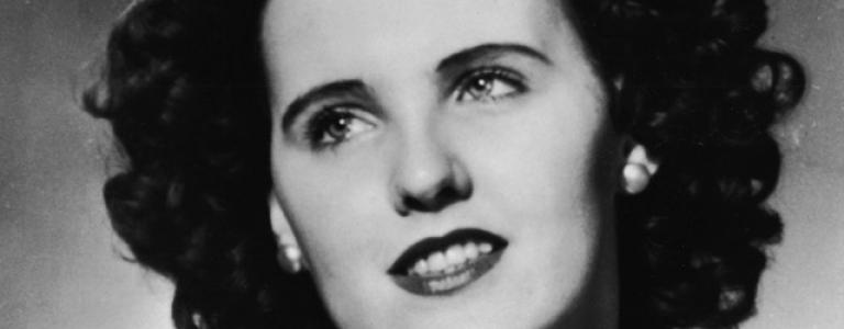 The body of 'The Black Dahlia' is found mutilated and dissected